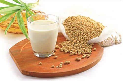 Đậu nành là thực phẩm giúp tăng cường hoocmon sinh lý nữ hiệu quả.