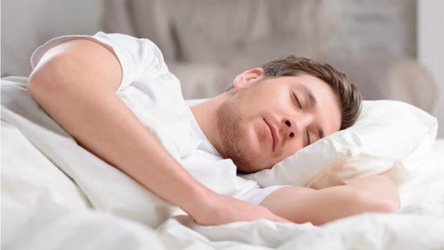 Giấc ngủ cũng ảnh hưởng rất nhiều đến sức khỏe sinh lý nam giới.