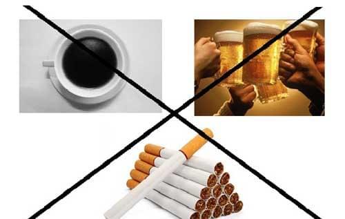Rượu bia và thuốc lá chẳng những làm hại đến sức mạnh tình dục của nam giới mà còn làm suy yếu tinh binh