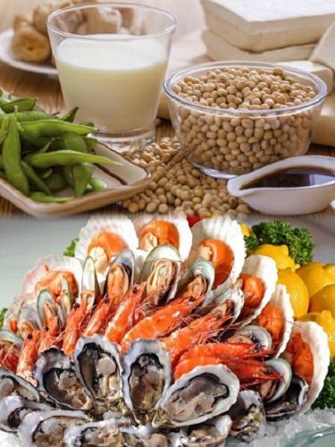 Đậu nành và hải sản là 2 thực phẩm rất tốt cho phụ nữ yếu sinh lý.