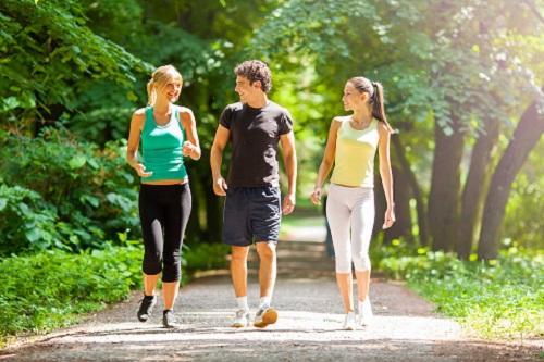 Mỗi ngày đi bộ bao nhiêu còn tùy thuộc vào sức khỏe và mục đích của từng người