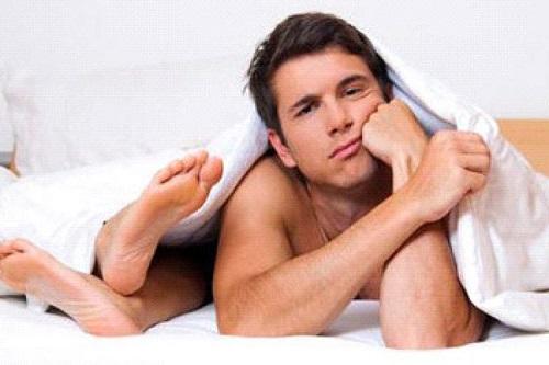Dương vật nhỏ và ngắn khiến đàn ông thiếu tự tin và giảm phong độ khi quan hệ