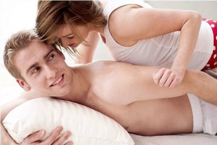 Các cách kích thích đàn ông phụ nữ nên biết
