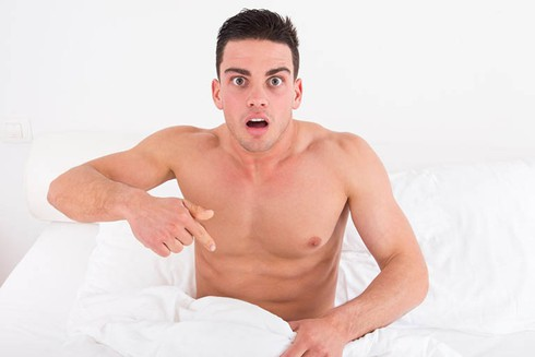 Cậu nhỏ cong ảnh hưởng đời sống tình dục như thế nào