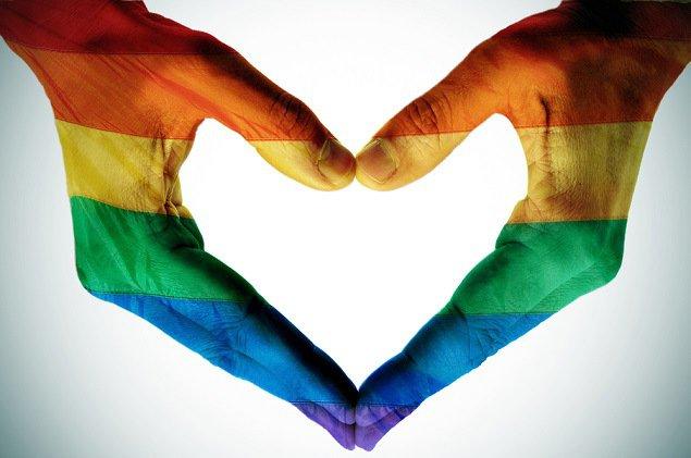 Đồng tính có đáng bị xã hội lên án.