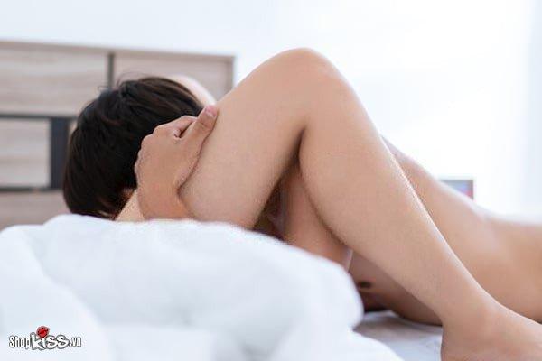Tại sao đàn ông thích hôn vùng kín phụ nữ để khiến nàng lên đỉnh