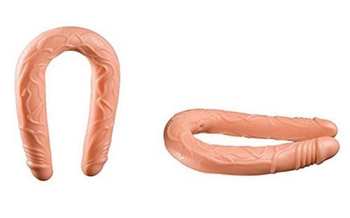 Dương vật giả 2 đầu là một dụng cụ hỗ trợ tình dục cho các cặp đôi les
