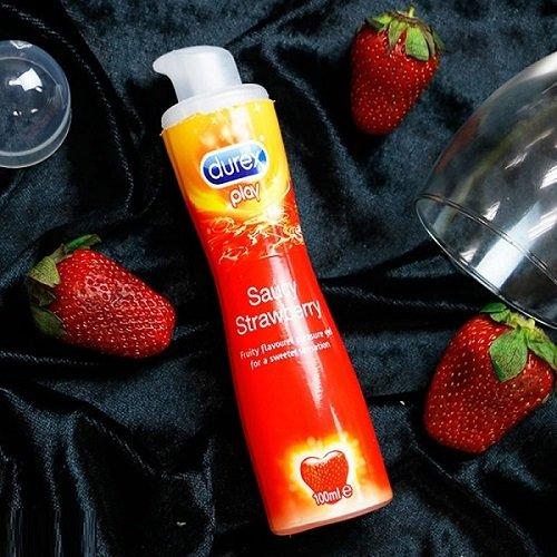 Gel bôi trơn Durex play Sauce Strawberry dành cho quan hệ bằng miệng