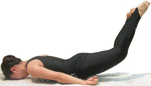 bài tập giảm mỡ bụng nâng chân úp