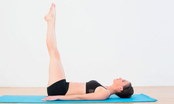 bài tập giảm mỡ bụng nâng cao chân đứng