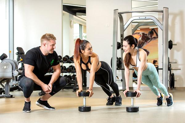 chế độ ăn giảm cân kết hợp tập gym