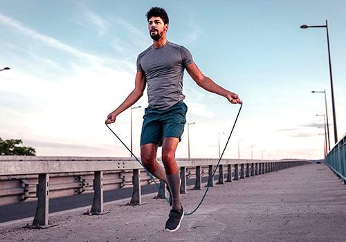 nhảy dây kết hợp chạy bộ