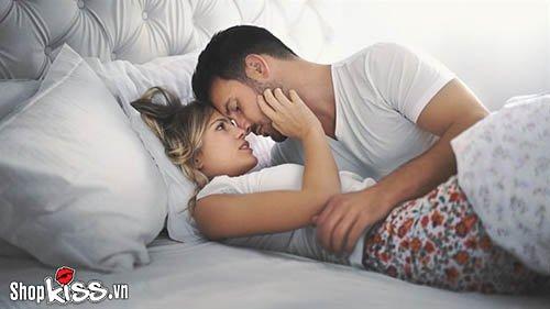Đàn ông thích phụ nữ như thế nào trên giường khi ân ái?